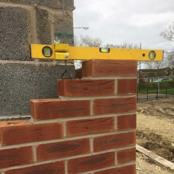 mortar joint gauge with bricks